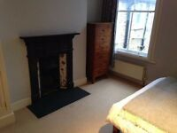Light, airy double room in a spacious Balham flat