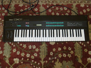 Vintage Yamaha Synthesizer in Great Condition.