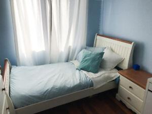 Ensemble de lit en bois pour fille