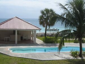 SPRING BREAK:: OCEAN FRONT TOWNHOME: WHITE SAND BEACH/FREE CAR