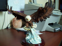 CANADIAN ROCKIES EAGLE STATUE ON WOOD BASE