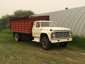 1976 Ford grain truck / silage truck
