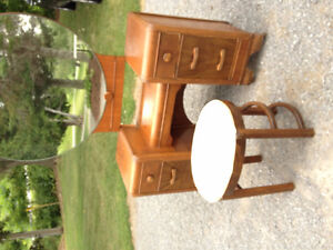 Antique/Vintage Dressing Table and Stool Peterborough Peterborough Area image 3
