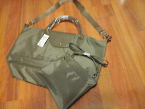 BRAND NEW ROOTS TOTE WITH ROOTS CROSS BODY BAG