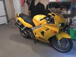 2000 Honda VFR800Fi Interceptor Rare Bike