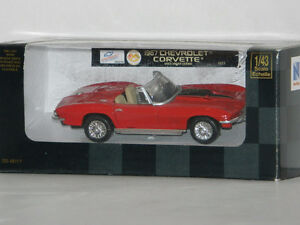 New Ray 1/43 Scale 1967 Chevrolet Corvette Diecast Car Red