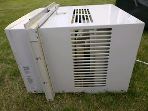 Kenmore 10000 BTU AC unit - Mint condition- Price is reduced.