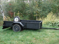 Utility trailer -- Roulotte