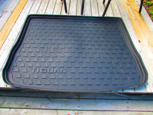 Trunk Mat for a V.W. Tiguan in decent shape a must see.