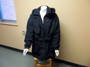 Lovely woman's coat with fur hood (lg)