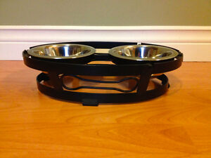 Wrought Iron Double Bowl Pet Diner