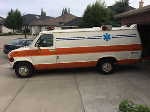 1985 Ford E-150 Ambulance