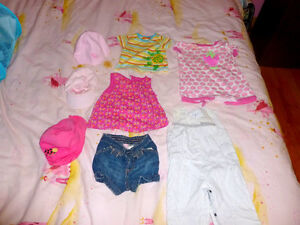 petit lot de vêtements de fille