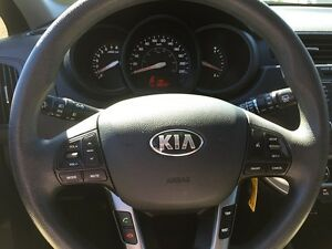 2013 KIA RIO LX * BLUETOOTH * LOW KM * LIKE NEW London Ontario image 16