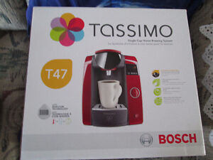 BRAND NEW IN BOX TASSIMO T47 RED