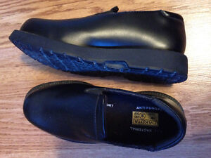 Safety toes dress shoes