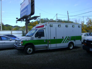 2009 Ford E-350 Other AMBULANCE