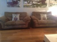 2 Sofas x £275 delivered x ex condition