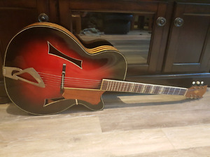 Huttl Archtop Guitar (with Video)
