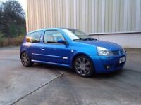Renault Clio 182 cup sport ( must look loads extras and history )