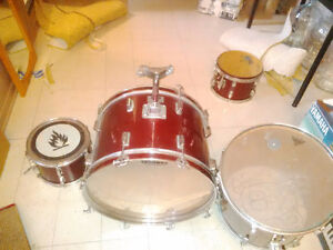 Baxter Drum Set 4 piece (fixer-upper) Gatineau Ottawa / Gatineau Area image 2