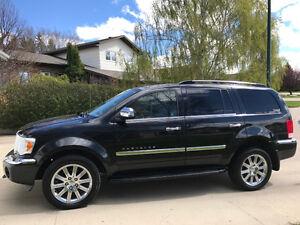 2009 Chrysler Aspen Tan SUV, Crossover