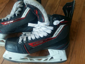 CCM Jet Speed 280 Senior skates - size 8.5