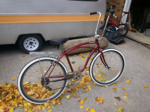 Vintage BEACH / CITY CRUISER bicycle.