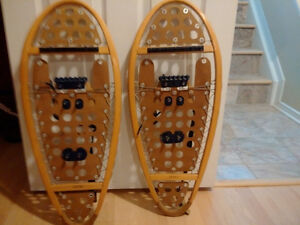 Freetrail Wood Snowshoes Made in Canada Wooden 12 x 30 Free Trai