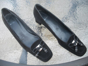 Stuart Weitzman ladies shoes