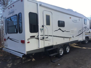 2004 Durango 28.5 ft with slide out