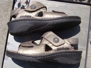 MEPHISTO SANDALS MOBILS METALLIC FINISH GEMSTONE ACCENT London Ontario image 4