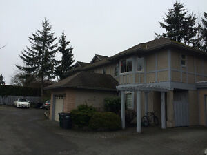 FURNISHED 3 BEDROOM + DEN TOWNHOUSE - MAY 1ST