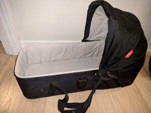 Phil and Teds snug carrycot - FREE