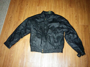 Mens medium leather jacket Kitchener / Waterloo Kitchener Area image 1