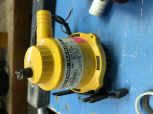 Bilge Pump Mayfair Marine  Model 22102 1000 GPH Proline