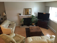 3 Bedroom townhouse, Jacklin and Goldstream area, Pets considere