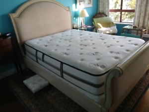 Extra firm queen size mattress and box spring