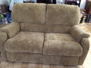 Two piece couch set  Sarnia Sarnia Area image 4