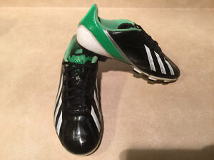 Adidas F5 Outdoor Soccer Cleats Size 6 London Ontario image 9