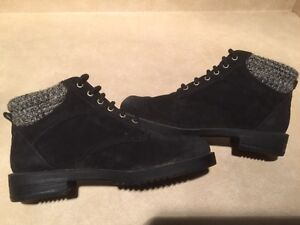 Women's Rugged Outback Leather Boots Size 6.5 London Ontario image 7