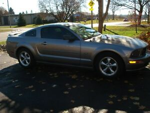 2008 Ford Mustang GT Coupe (2 door) London Ontario image 2