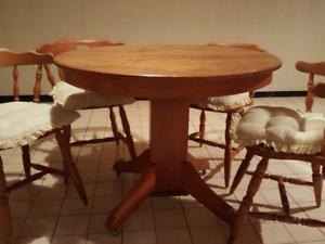 Antique Maple Dining Table + Chairs