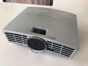 Mitsubishi HC3000 NativeHD DLP Projector w/ 20ft HDMI cable