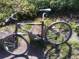"Bike giant boulder very good wheel 26"""