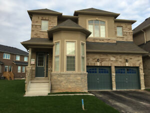 4 bedroom + den detached house in Oakville