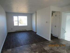 3 BDRM DUPLEX UNIT IN SACKVILLE NB-FAMILY RENTAL-206 MAIN ST