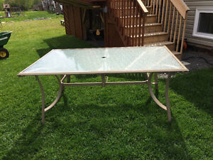 Patio Set in Mint Condition