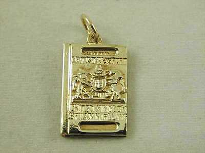 WONDERFUL VINTAGE 9CT GOLD BRITISH PASSPORT CHARM DATED 1972 4.0 GRAMS