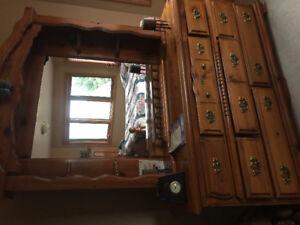 Oak queen size bedroom set
